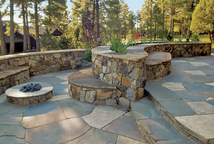 flagstone patio designs flagstone patio with retaining wall yard pinterest patios and walkways flagstone - Flagstone Patio Designs