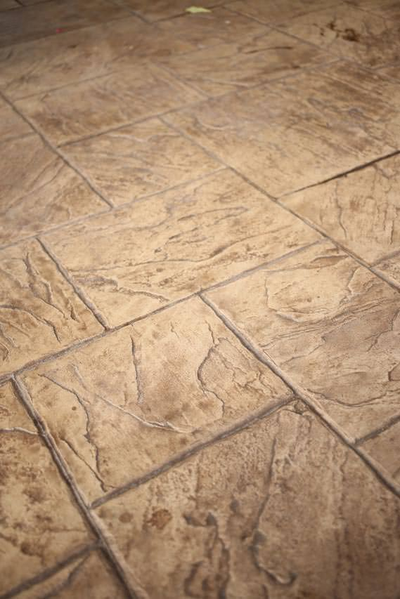 Vermont slate pattern in Beige Creme and Walnut